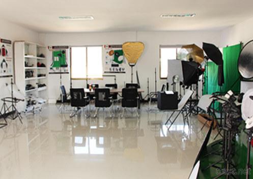 Shangyu Yingyi Photo Equipment Co., Ltd