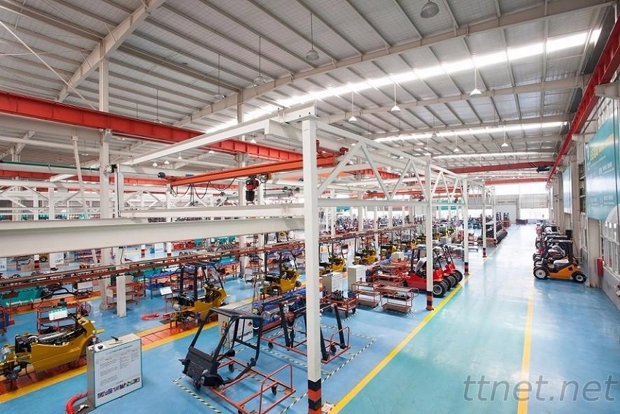 Equipmax Forklift Assemble Line