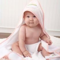 포옹 겉옷과 아기 목욕 수건