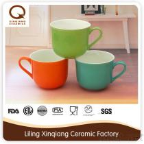 doppelte Farbe glasig-glänzende keramische 14Oz Kaffeetasse