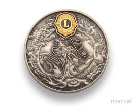 Médaille en métal de lions