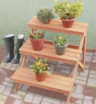 3つの層の屋外の植木鉢の棚
