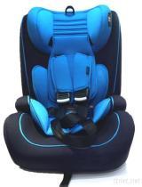 차 아이 안전은 9 달에서 12 살에 자리를 준다