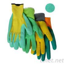 乳液の泡の上塗を施してある手袋