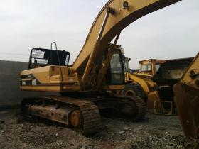 使用されたCATの掘削機330BL