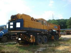 使用されたKato 160Tのトラッククレーン