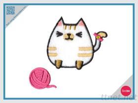 털실 스티커 팩의 공을%s 가진 자수 고양이