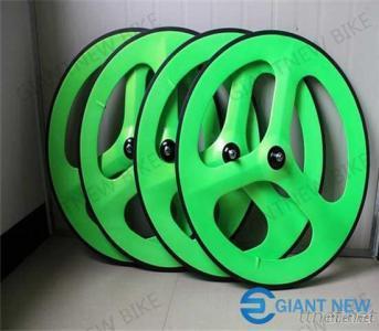 Road &Track Carbon Tri Spoke Wheels 70Mm Paint Clincher