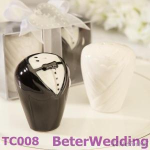 Bride & Groom Salt & Pepper Shaker Wedding Favors