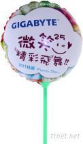 吹气气球,手拿吹气气球