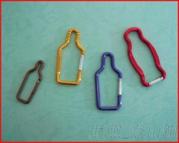 厂家生产 登山钩 酒瓶造型铝勾 造型登山勾 欢迎来图订制 登山扣