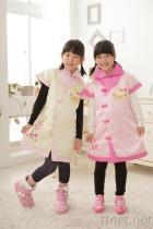 女童俏麗中國服