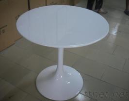 時尚鬱金香桌子