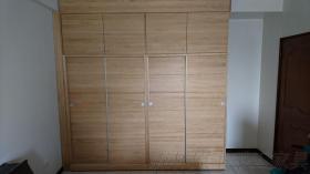 原木衣櫥櫃