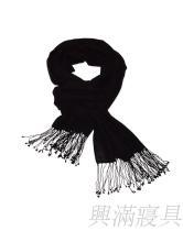 百搭黑色羊毛围
