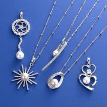 珍珠鋯石墜飾項鍊