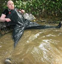 橡膠下水褲, 連體防水褲