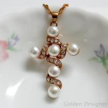優雅珍珠十字架墜飾