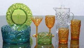 四朵花沙拉組, 盤, 水杯, 沙拉碗, 低杯, 高杯, 水壺, 高腳杯, 馬丁尼杯, 塑膠餐具