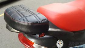 【诚都牌】【AE-30】井格纹 机车辅助垫 靠垫 加长垫 座垫加长 防撞垫 长坐垫 临时垫 舒适垫