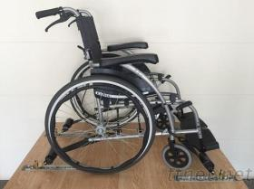 輪椅固定器