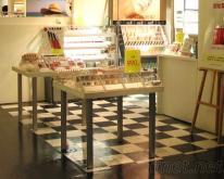 彩妝展示桌