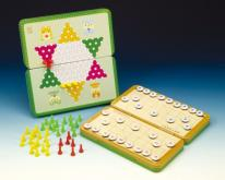 (折叠式彩色铁盒) 磁铁跳棋、象棋