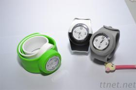 矽膠啪啪鋼片手錶