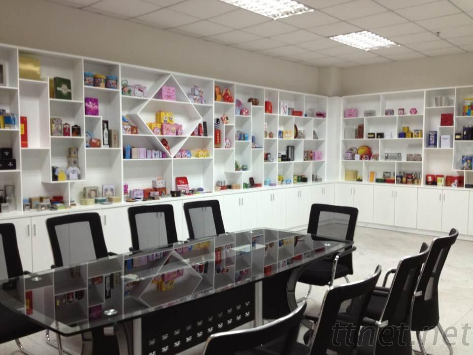 Tinsmaker tin box showroom