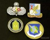 badges / pins-1