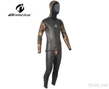 2017 Fashion Two Pieces Jacket with Hood & High Waisted Trousers Camouflage Neoprene Wetsuit for Men Diving Sports