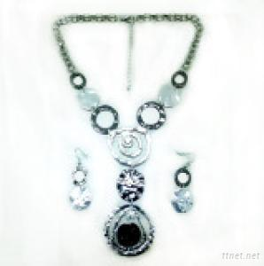Jewelry Set / Necklace and Earring Set