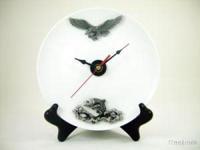 Plate Clock/Pewter Adornment