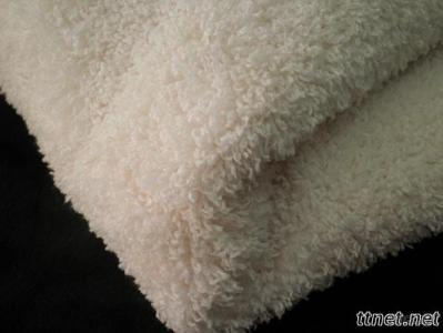 Polyester knitted fleece fabric