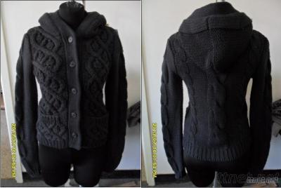 Hooded Lady Sweater